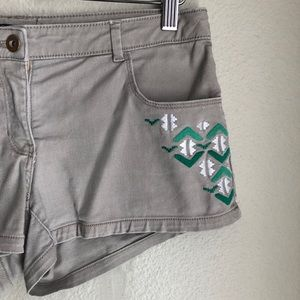 Shorts - Embroidered Denim Shorts in Size 6